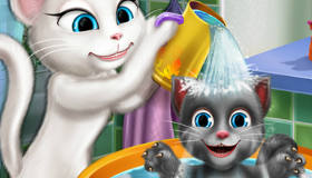 Talking Angela baña al bebé