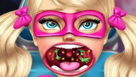 Conviértete en superheroína con Barbie